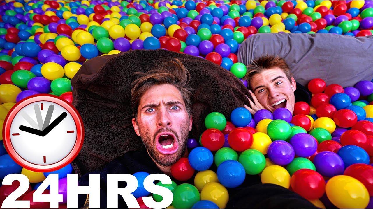 24hr-challenge-in-trampoline-ball-pit-160-000-balls
