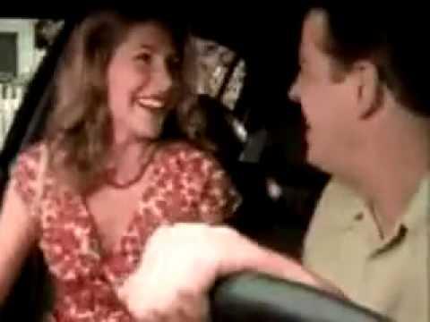 5 способов начать трогать девушку где угодно на первом