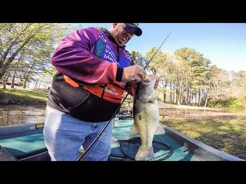 Fitts Flips Up Costa FLW Series Win on Lake Dardanelle