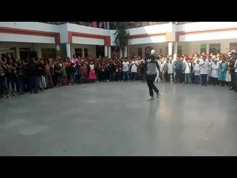 Aaj Din Valentine daa / Dance in college / valentine Day Dance