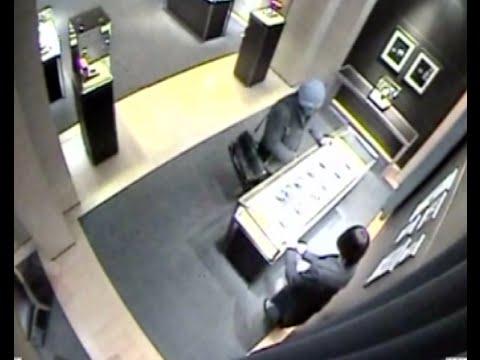 Beijing Police Recount 22 Minute Hunt for Cartier Robber