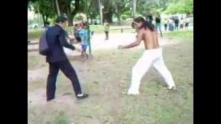 Kung Fu vs Capoeira thumbnail