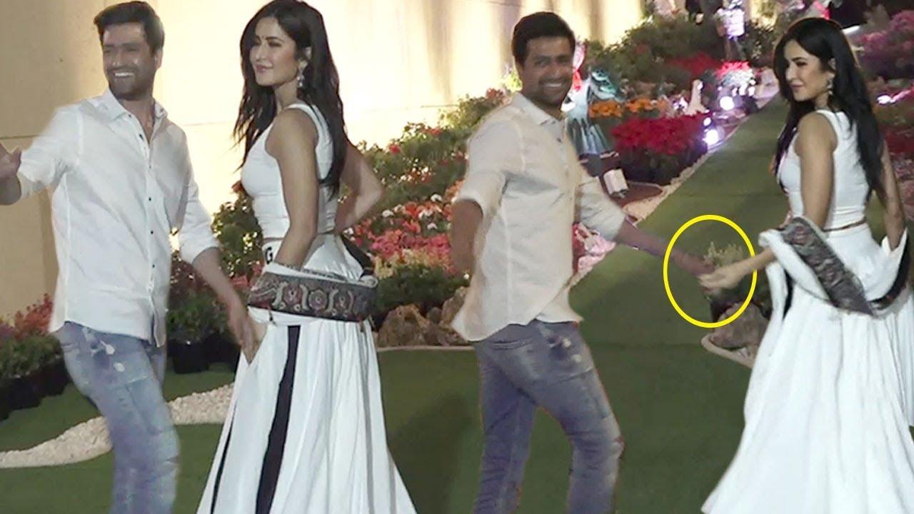 Katrina Kaif Grand Entry Holding BoyFriend Vicky Kaushal ...
