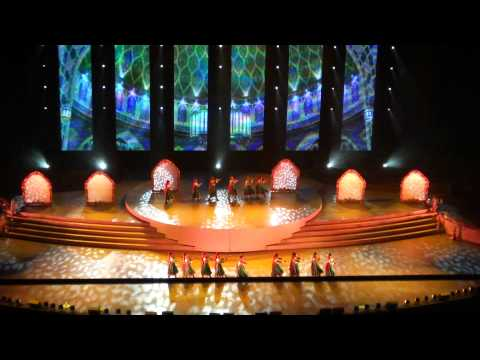 Ticket to Bollywood 01