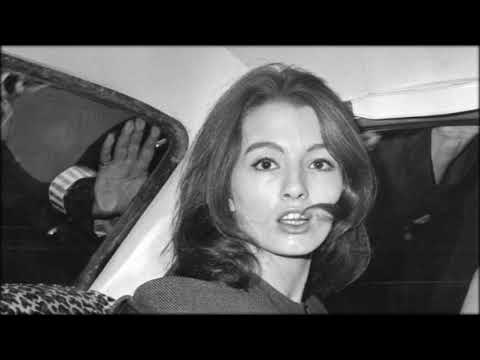 Christine Keeler dead: Woman who rocked British politics during Profumo affair dies aged 75