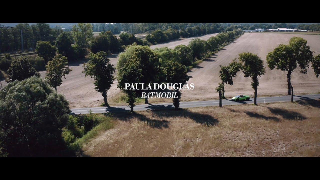 Paula Douglas - BATMOBIL (Offizielles Musikvideo)