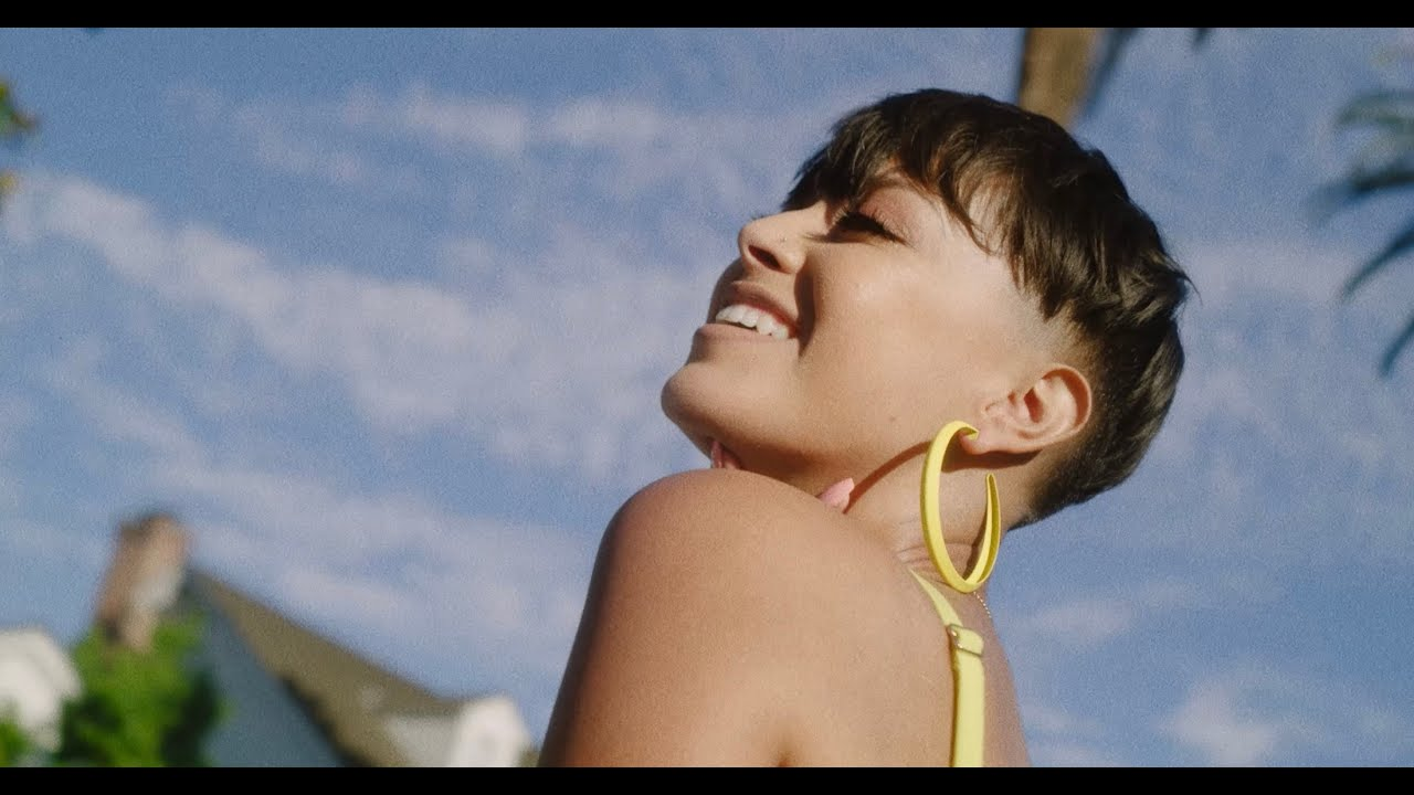 Ericka Guitron ft. Sincerely Collins - Risky (Official Music Video)