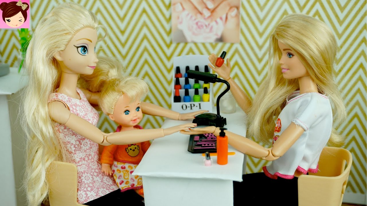 Elsa And Anna Toddlers Paint Their Nails At The Barbie