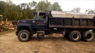 1988 Ford L9000 dump truck  Demo