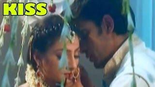 Doli Armaanon Ki : Samrat & Urmi's Kissing Scene