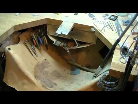 Tidy jewellers bench