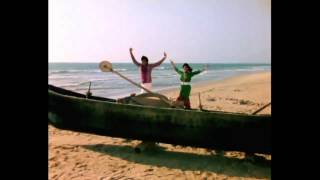Sajani Sajani - Romantic Marathi Song - Ashok Saraf, Varsha Usgaonkar - Maalmasala Comedy Movie