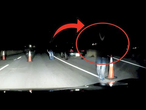 SKETCHY CAR FOLLOWS US DOWN ABANDONED GHOST TOWN AT 3AM..