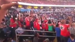الدوزي يغني العيون عينيا بحضور الجماهير المغربية في ملعب كرة السلة الNBA، بمدينة اورلاندو الأمريكية