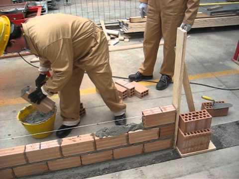6 c realizzare un muretto di mattoni forati making a small hollow brick wall youtube - Copertine per muretti esterno in cemento prezzi ...
