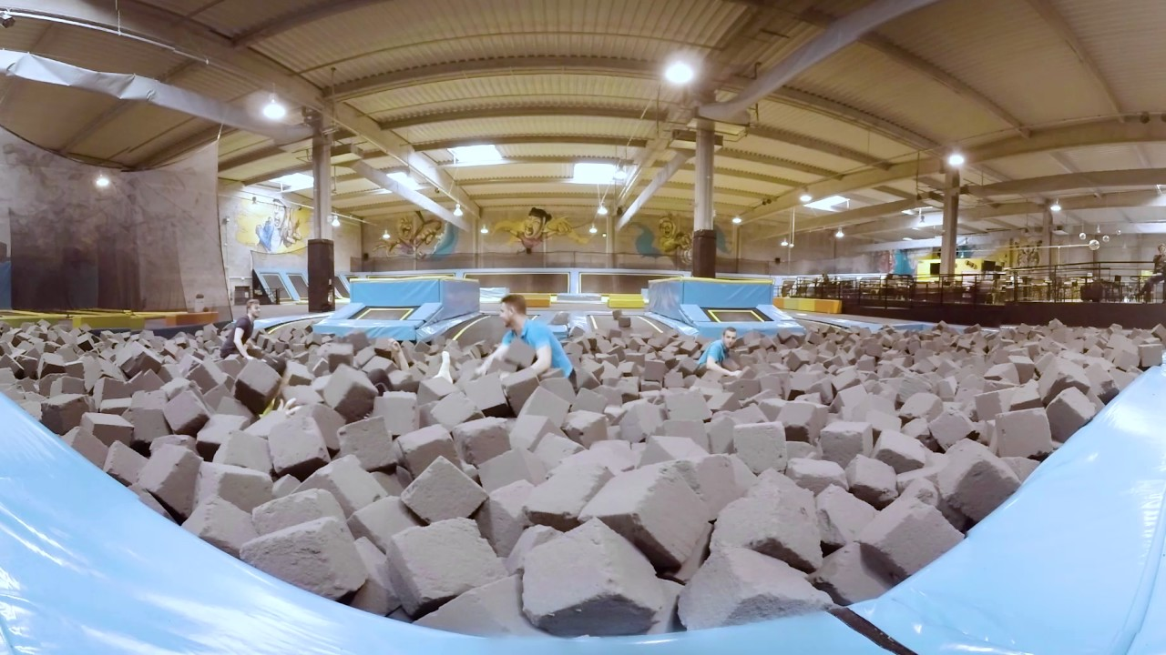 trampoline park toulouse vid o 360 foam pit youtube. Black Bedroom Furniture Sets. Home Design Ideas