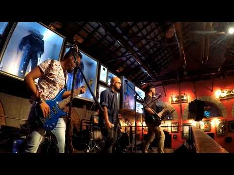 Audio Slave Be yourself   Radiostellar  @ Hard Rock Cafe Bangalore