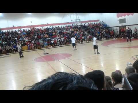 Druid Hills high school dance off at pep rally