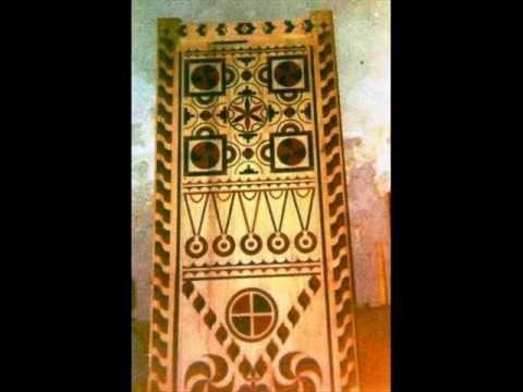 Bois deco portes en bois au maroc portes peintes for Decoration murale berbere