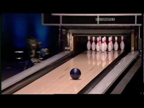 Jason Belmonte bowling 1 handed...