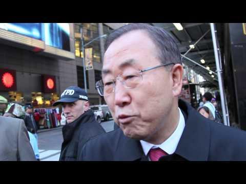 UN Secretary-General Ban Ki-moon celebrates UN Day in Times Square