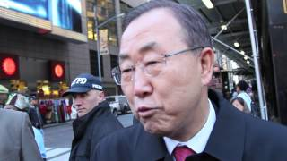 UN Secretary-General Ban Ki-moon celebrates UN Day in Times Square