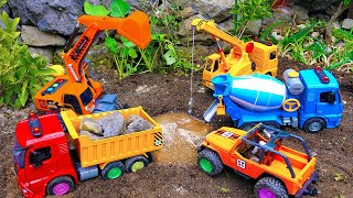 Car Toys Construction Vehicles Looking For Kids In The Sand Toys Pretend Play Nursery Rhymes Songs