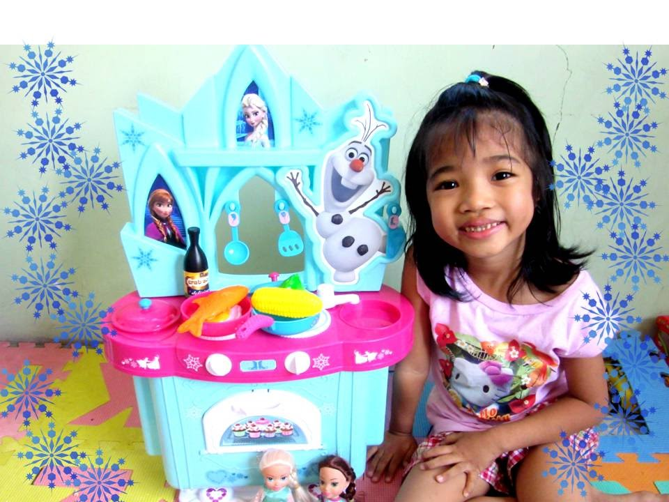 Disney Frozen 2016 Anna Elsa Giant Kitchen Playset Kiddie Toys