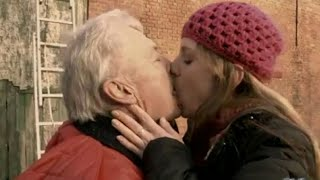 Download Video YOUNG GIRLS KISSING OLD MAN PART 3 MP3 3GP MP4