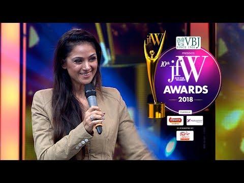 Simran sings Manam Virumbudhe at JFW Awards 2018