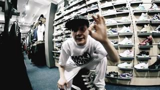 Teledysk: Raca/Ślimak - Hip Hop, Nowe Najki, New Ery