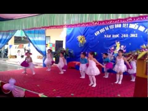Trường Mầm Non Kim Sơn Hè 2012 { Bai The Duc Buoi Sang}