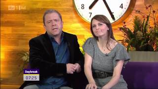Repeat youtube video Debra Stephenson - Lovely Upskirt - 18-Nov-10