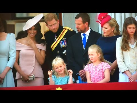 British Royal Family Depart & Meghan's BALCONY DEBUT ALL MOMENTS - Trooping The Colour 2018