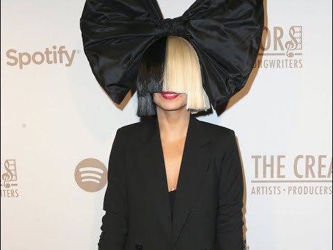 Sia Shows Her Real Face - CrowdFM