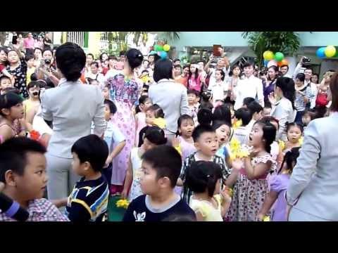 Múa tập thể bài Cô là tất cả mừng ngày nhà giáo Việt Nam 20/11/2013