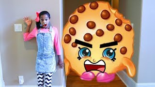 GIANT SHOPKINS vs Shasha! - Shiloh and Shasha - Onyx Kids