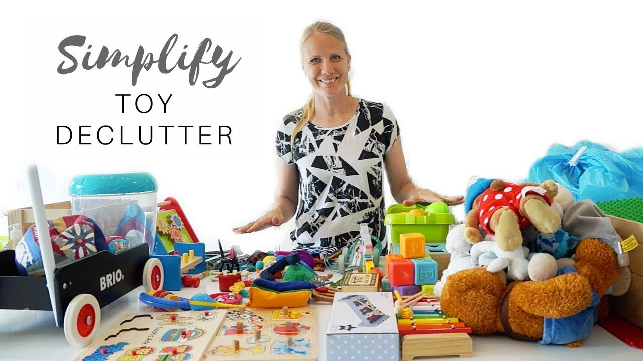 Minimalism with Kids - Toy Declutter | Downsize to Simplify my life
