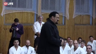 Стивен Сигал дает мастер-класс по айкидо