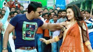 अक्षरा & पवन सिंह - भोजपुरी की No.1 जोड़ी ने भरे बाज़ार किया हंगामा - New Bhojpuri Hit Song 2018