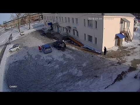 Сотрудники ГИБДД жестоко избили пешехода (Бурятия, Кабанский район, г. Бабушкин) (Видео 2)