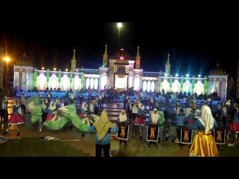 Marching Band SMPN 8 Pekanbaru Gladi Resik Pembukaan MTQ Tk Propinsi di Pekanbaru