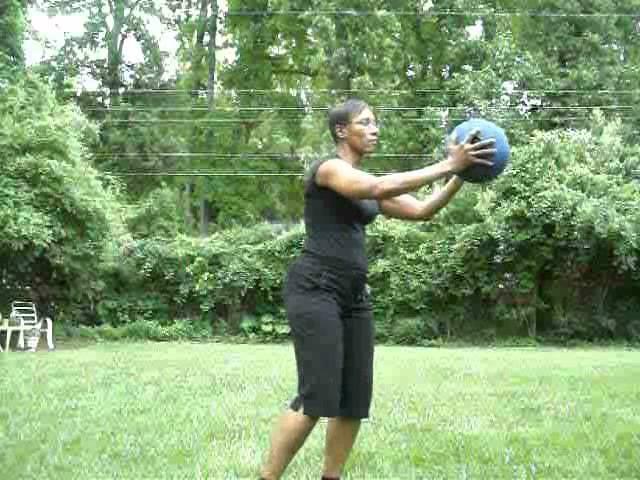 1Body2Build One Leg Lift with Medicine Ball