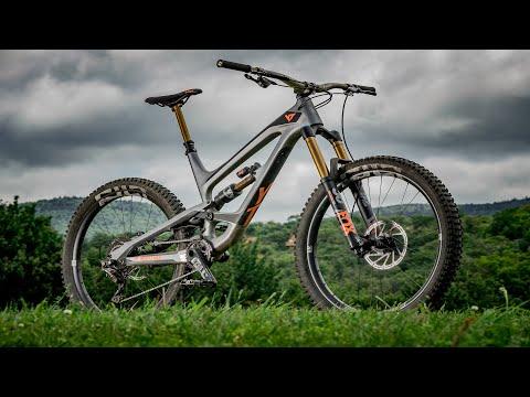 YT Capra CF Pro Race Review - 2018 Bible of Bike Tests: Summer Camp