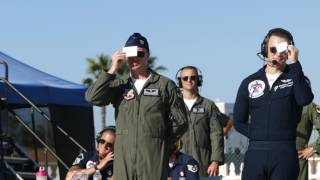 USAF Thunderbird 9 using signal mirror at airshow practice (4K video)