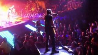 Keith Urban -Tells off Security Guard during Sweet Thing, Biloxi 6-16-2011