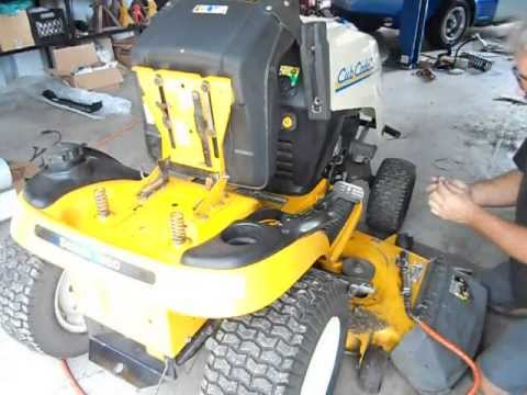 REMOVING THE FUEL TANK ON A CUB CADET 1554 PT1 on
