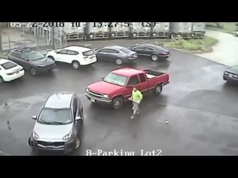 Ric Rush - Road Rage Guy Smashes Car With SledgeHammer