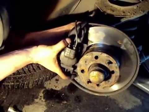замена переднего тормозного диска ваз2106