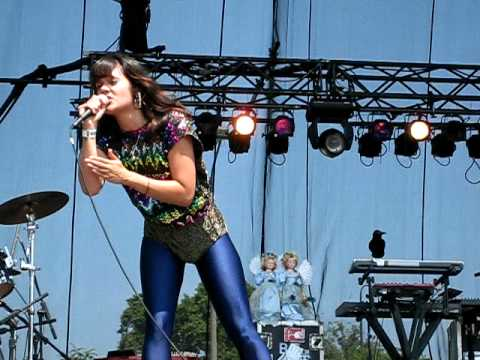 Bat For Lashes - Trophy - Lollapalooza 2009